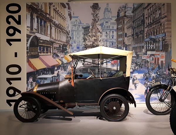Bugatti Type 16 Peugeot in het Louwman Museum