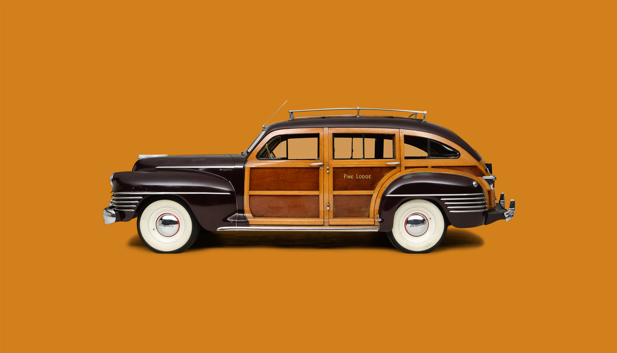 Bekijk Chrysler Town & Country Barrel Back Station Wagon in het Louwman Museum