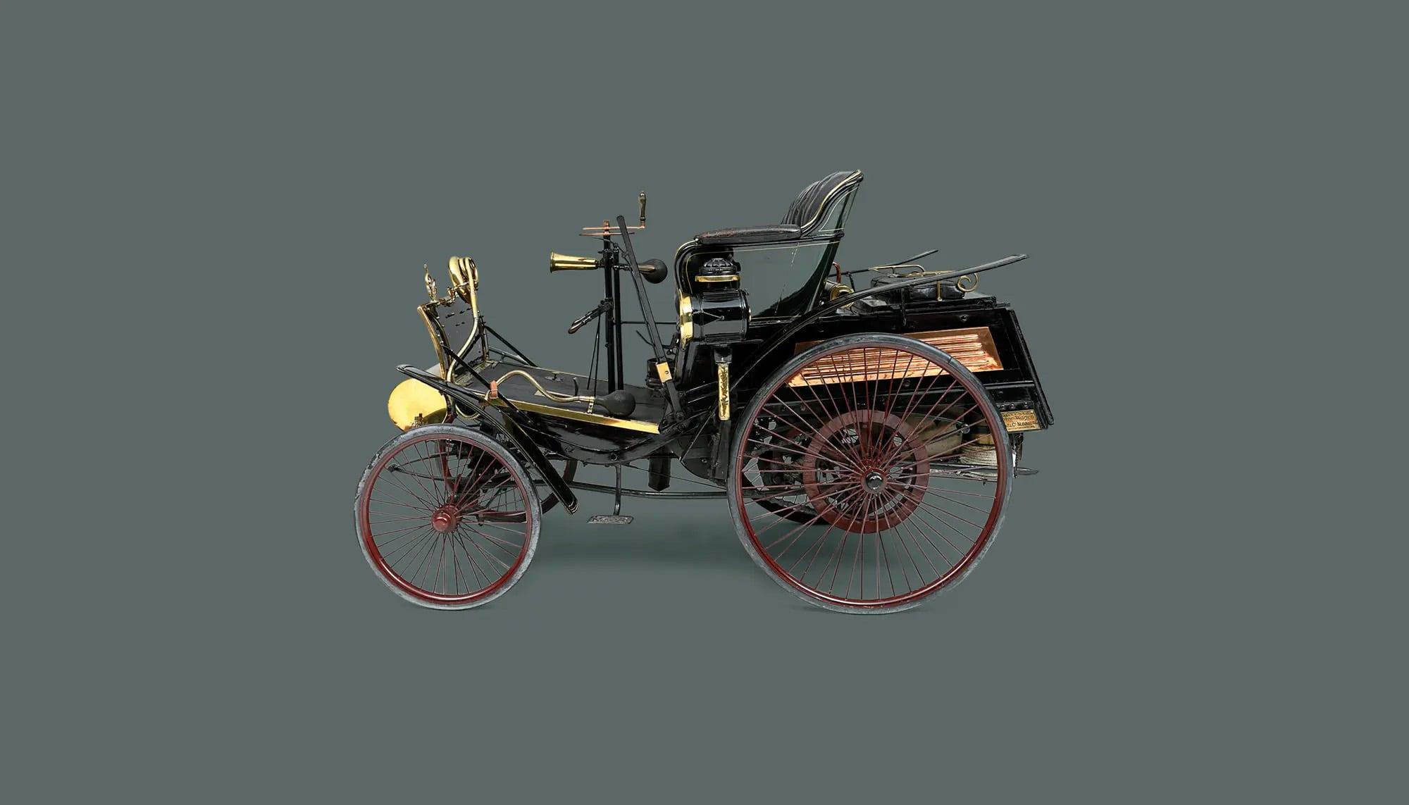 Bekijk International Benz in het Louwman Museum