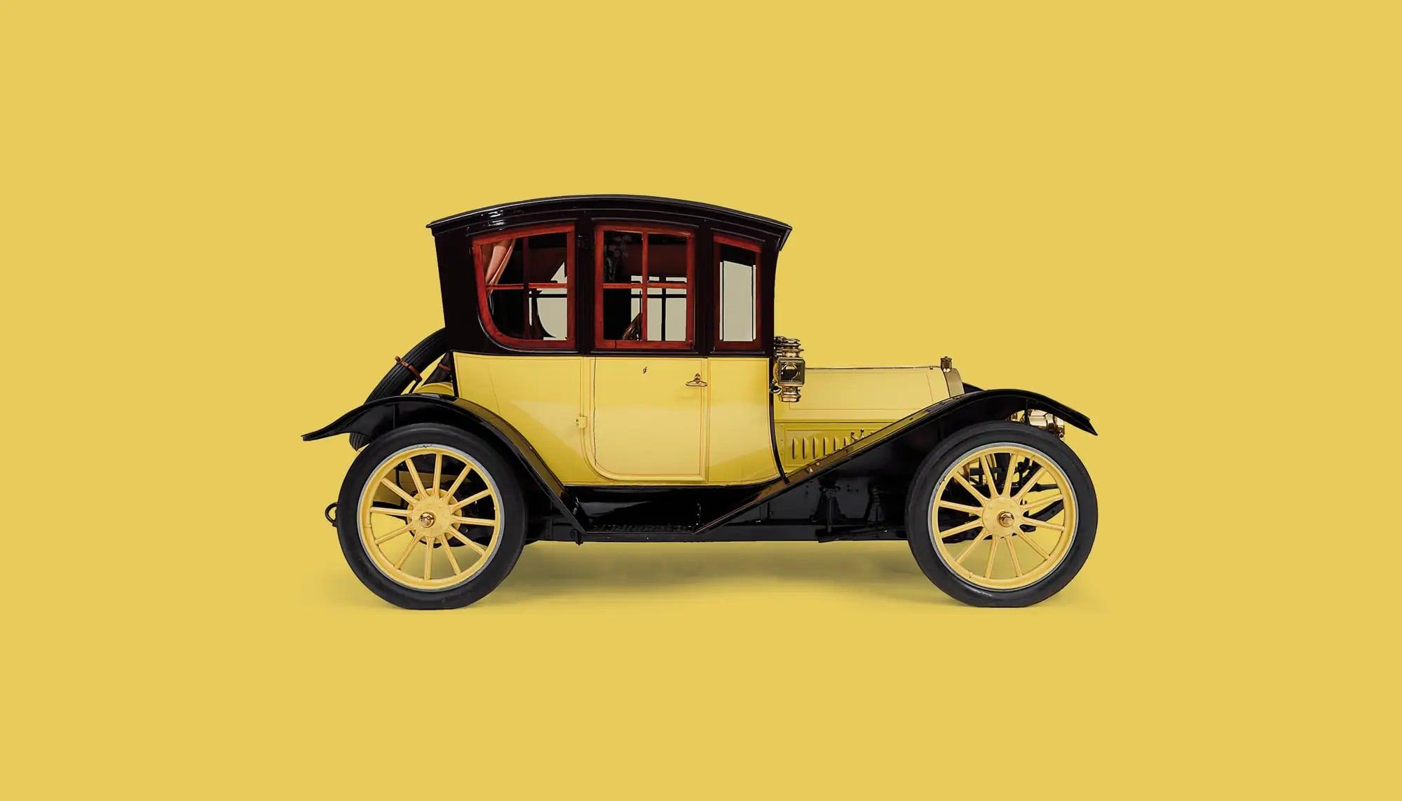 Bekijk Regal Model NC Colonial Coupe in het Louwman Museum
